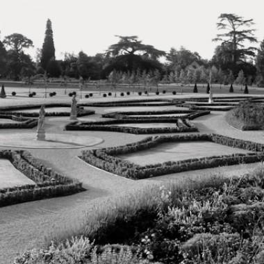 Estates & Gardens